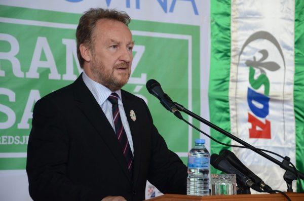 bakir_izetbegovic_govornica